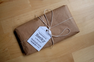 I can wrap your gift using recycled paper